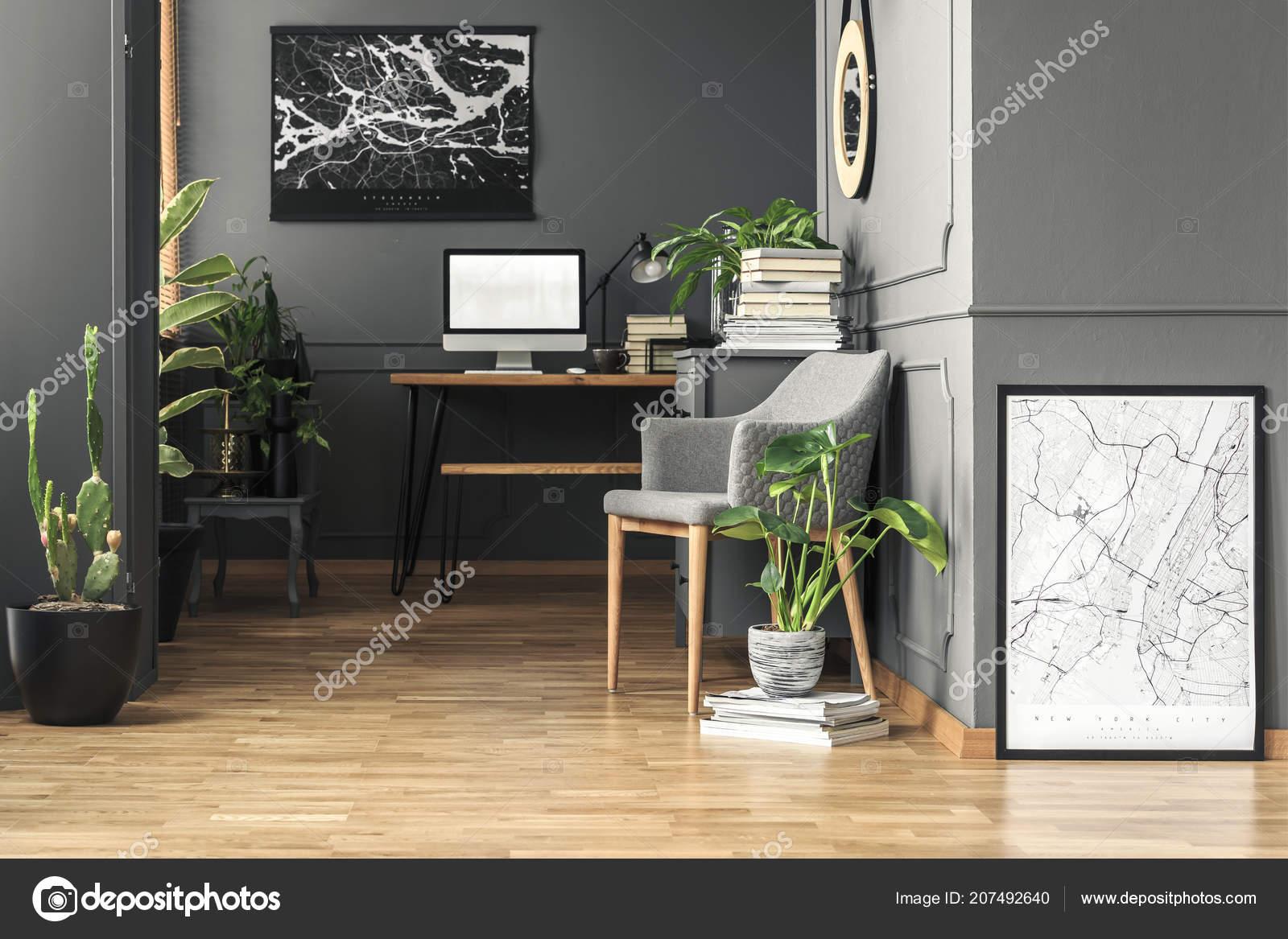 Plantes Vertes Fraîches Vraie Photo Intérieur Chambre Noire Avec ...