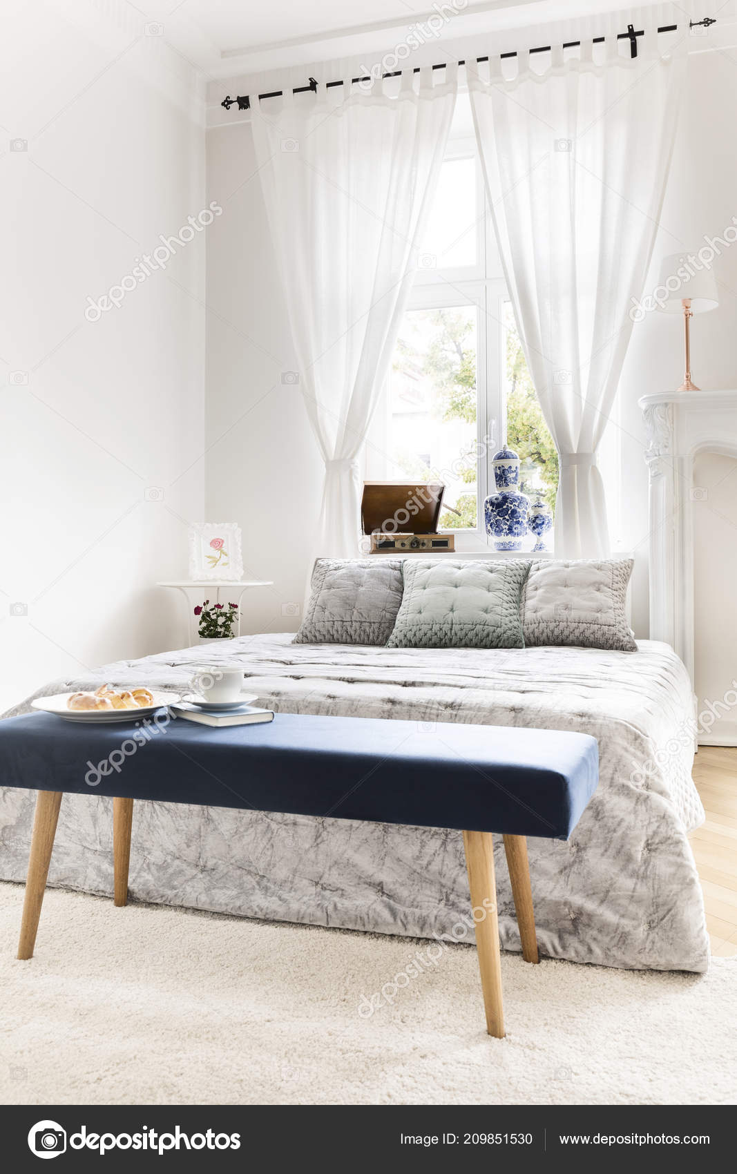 Navy Blue Bench Book Breakfast Standing King Size Bed White