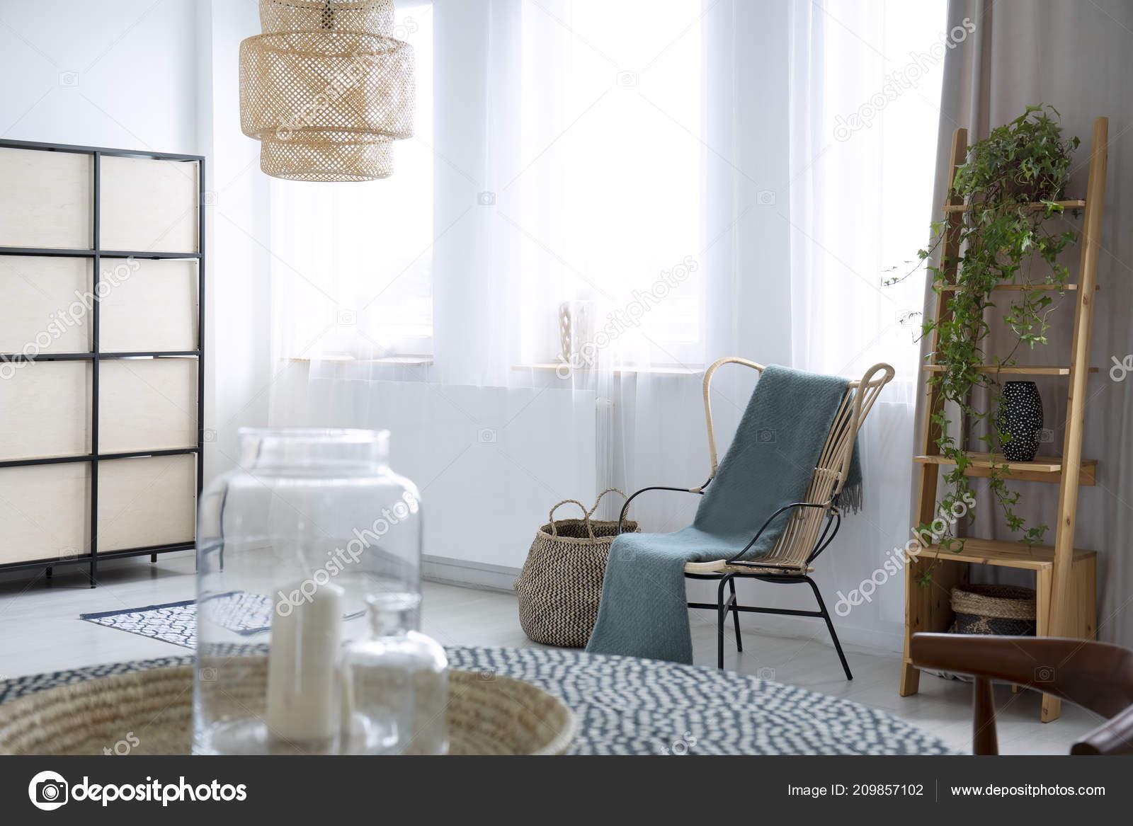 Grüne Sessel Wohnzimmer Lampe Auf Pflanze Mit Interieur Decke Hellen 5jAL3R4