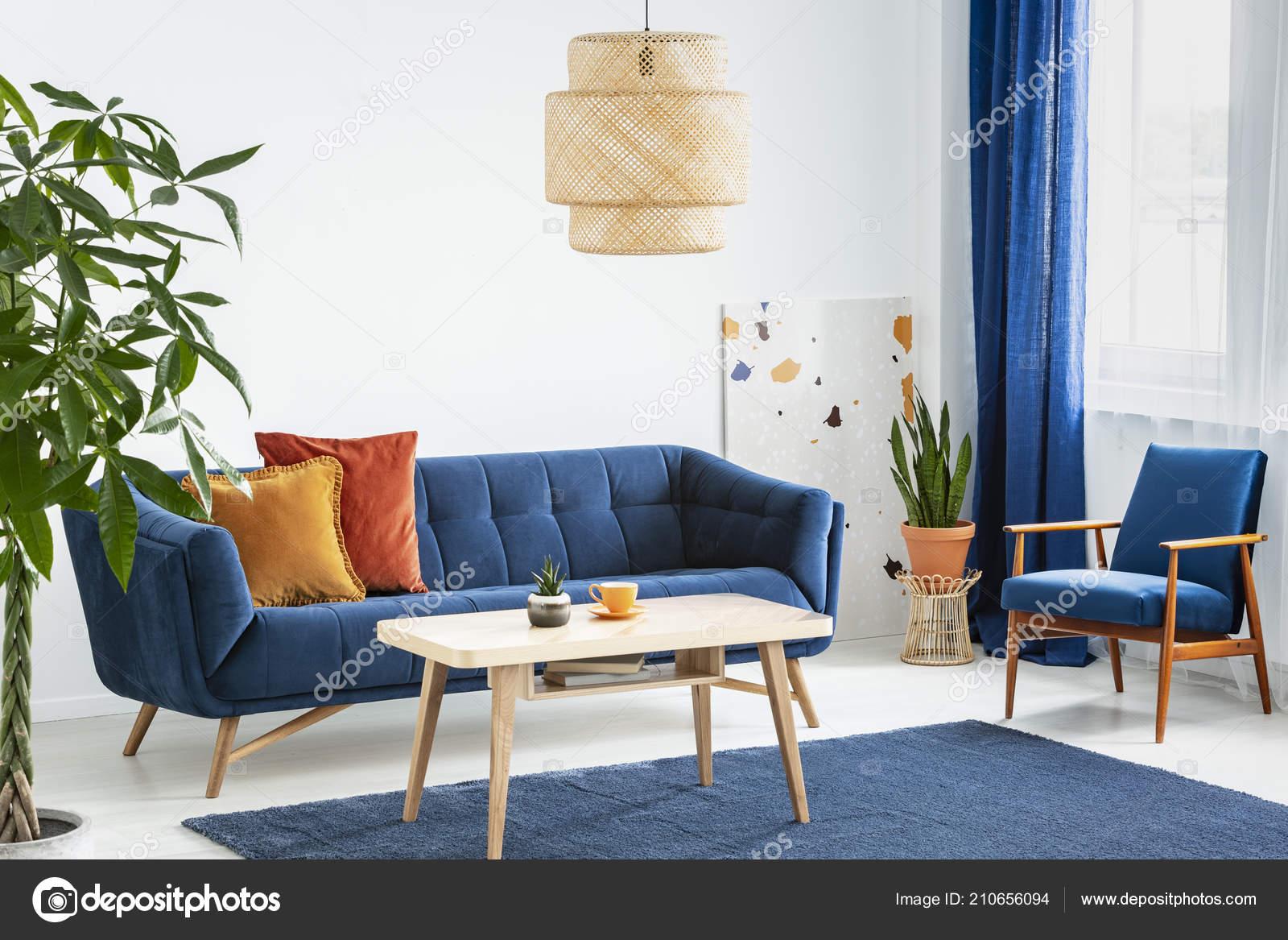 Sessel Und Sofa Blau Und Orange Wohnzimmer Interieur Mit Lampe