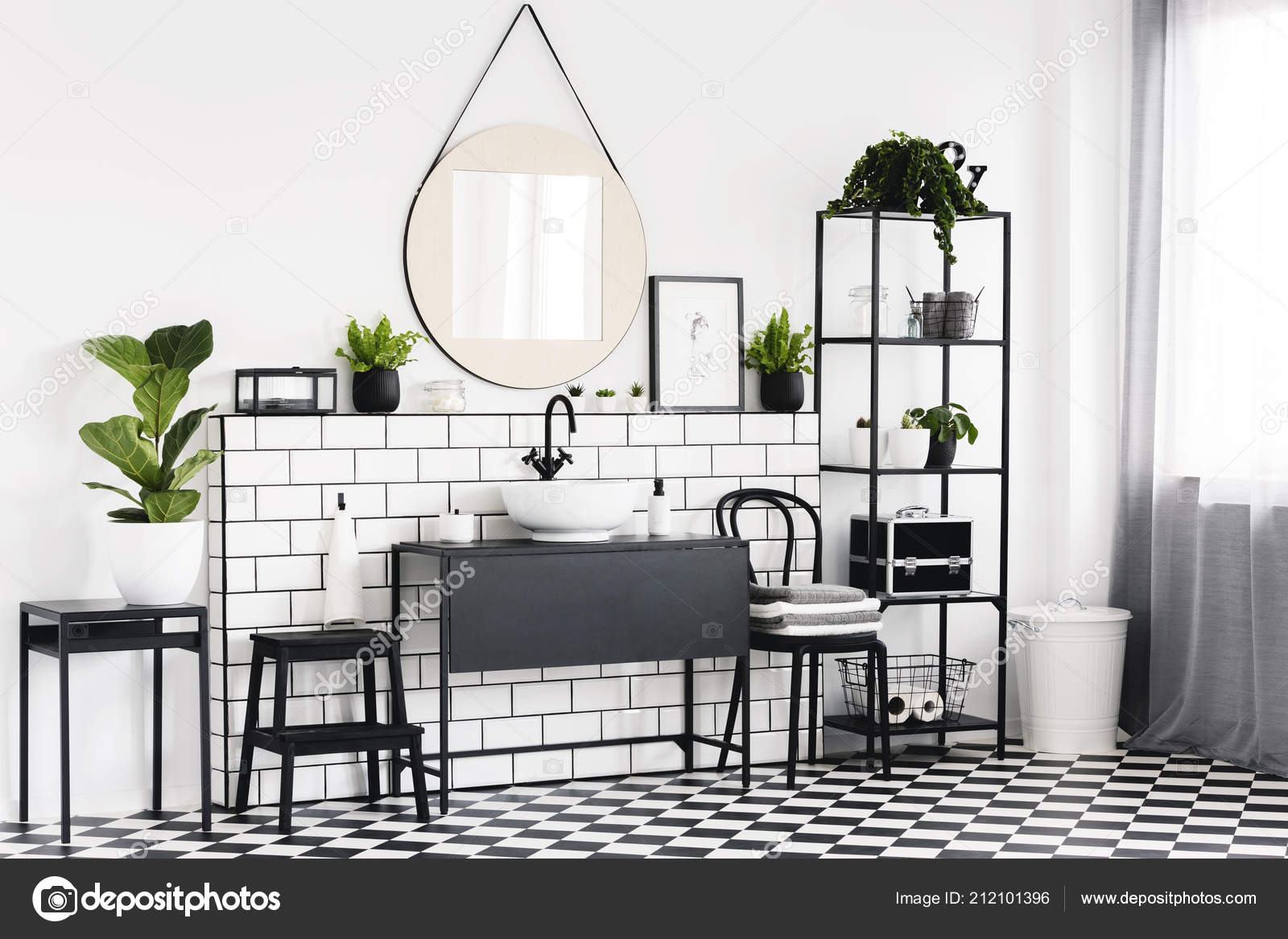 Photo De Salle De Bain Noir Et Blanc plant table black white bathroom interior checkered floor