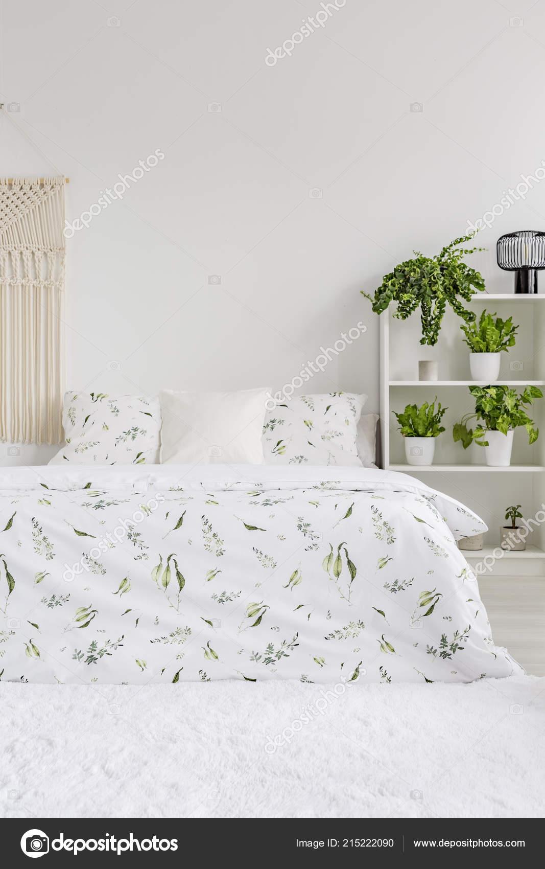 Skandinavischen Stil Schlafzimmer Innenraum Mit Grünpflanzen Muster ...
