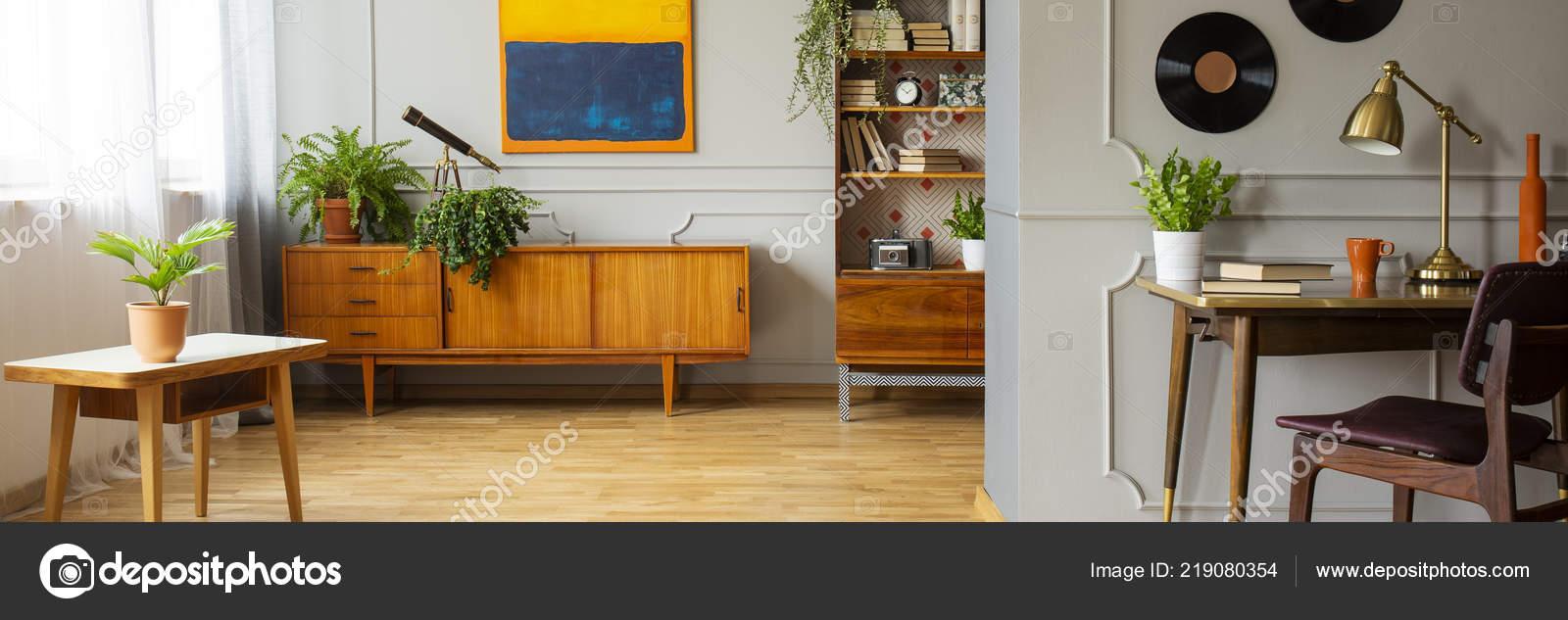 Gris Appartement Intérieur Chaise Lampe Plantes Bureau Avec Une dCexrBo