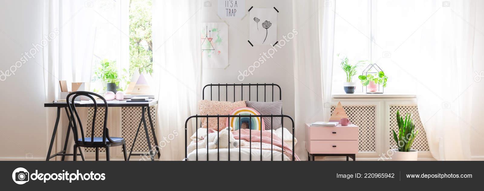 Vraie Photo Intérieur Chambre Coucher Adolescent Lumineux