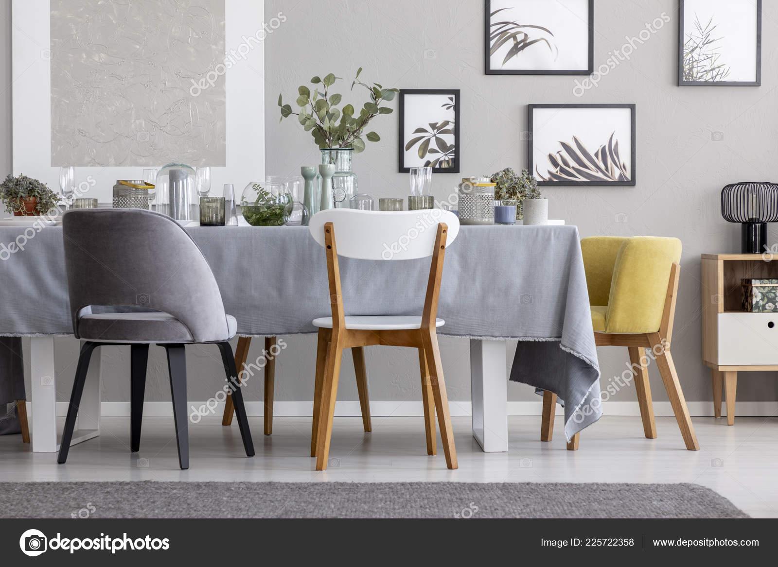 Sedie Per Sala Da Pranzo Moderne.Sedie Moderne Tavolo Con Articoli Tavola Sala Pranzo Grigio