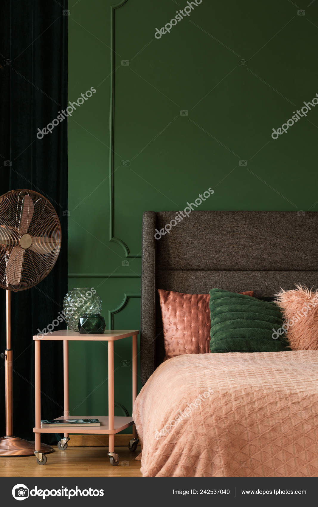 Pastel Pink Accents Emerald Green Bedroom Interior King Size Bed ...