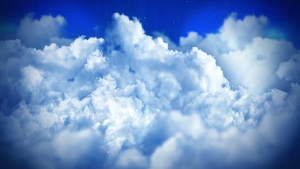 Fantazijní krajina na zatažené obloze, bílý kouř animace, pozadí smyčky,