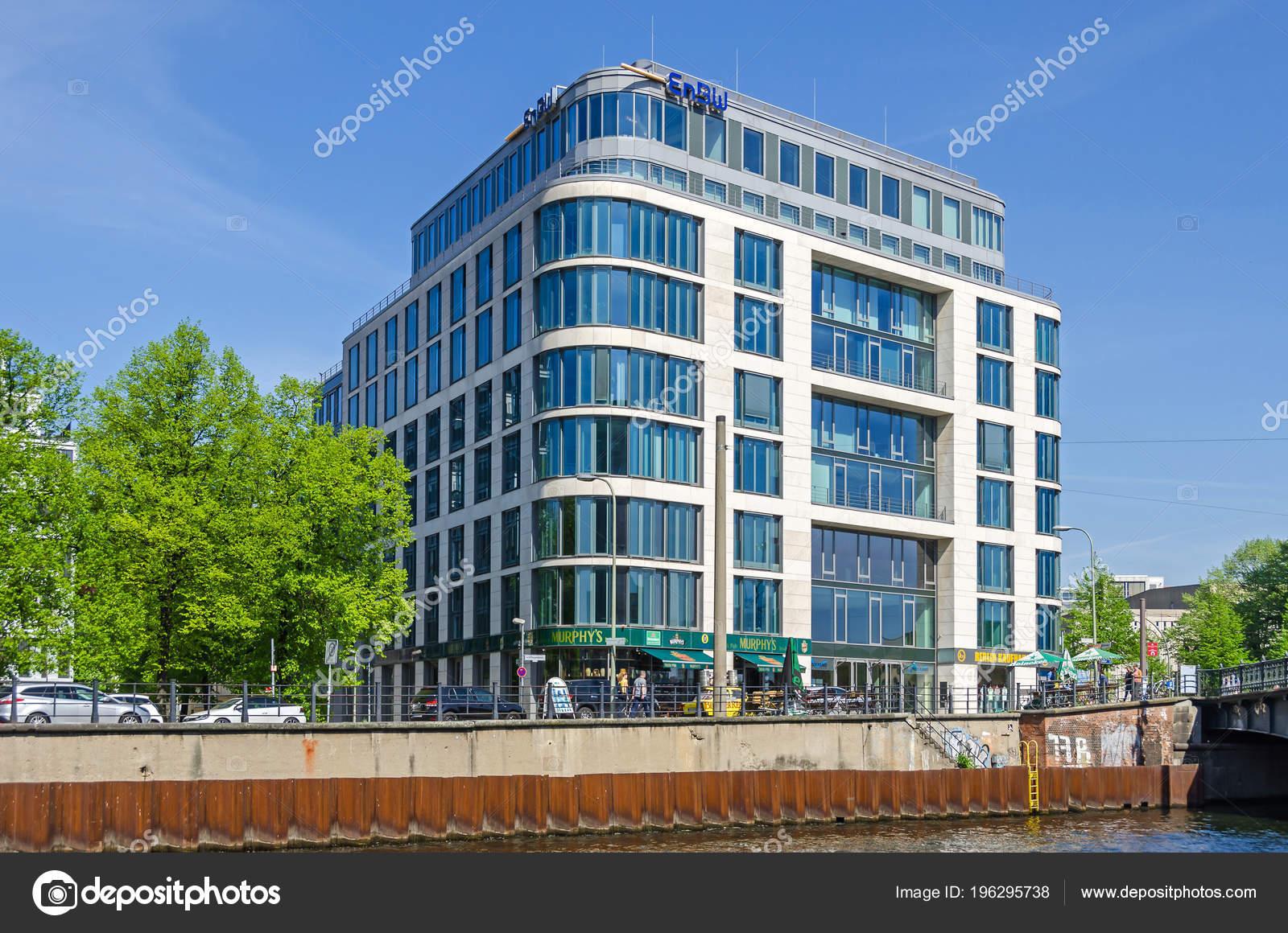 Berlin Germany April 2018 River Spree Its Bank