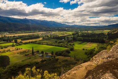 The valley of El Bolson in argentinian patagonia.dng