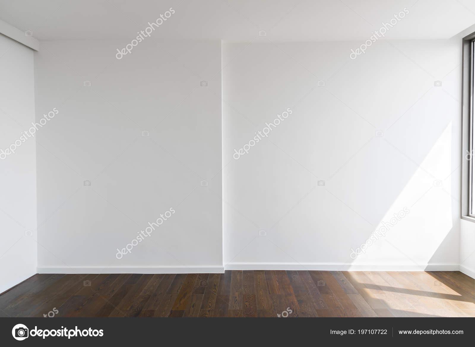 Abstrait mur béton blanc blanc maison bureau avec plancher bois