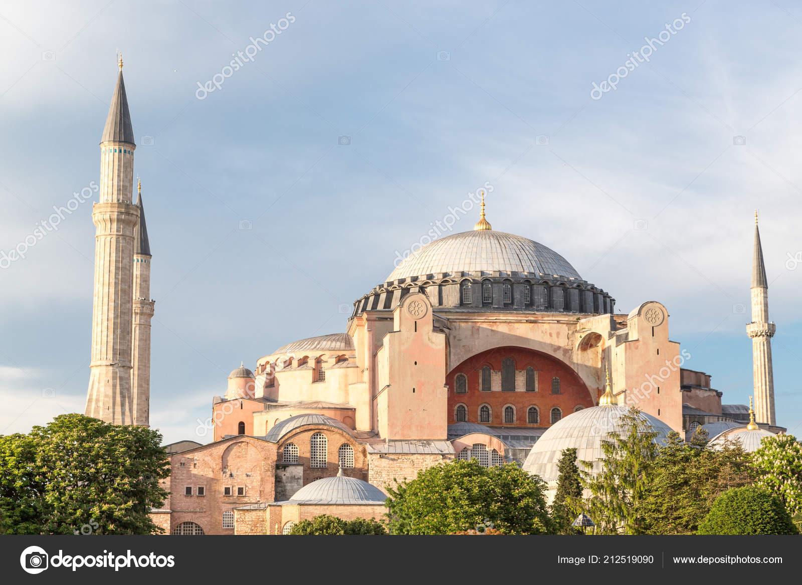 Santa Sofia Cathedral Istambul Turkey – Stock Editorial Photo © dade72n  #212519090
