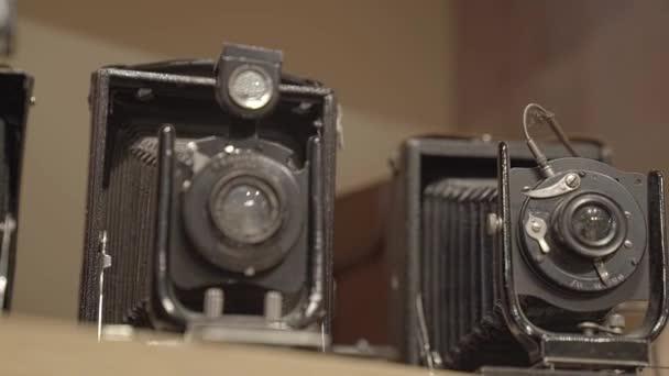 Starožitné fotoaparáty zblízka
