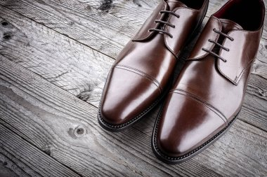 Classic formal brown mans handcrafted leather fashion shoes