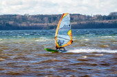 Starnberg - 19. September 2019: Surfer am Starnberger See in Oberbayern