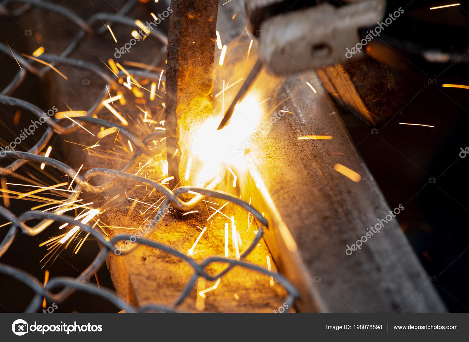 Sparks Welding Steel Workers Background — Stock Photo