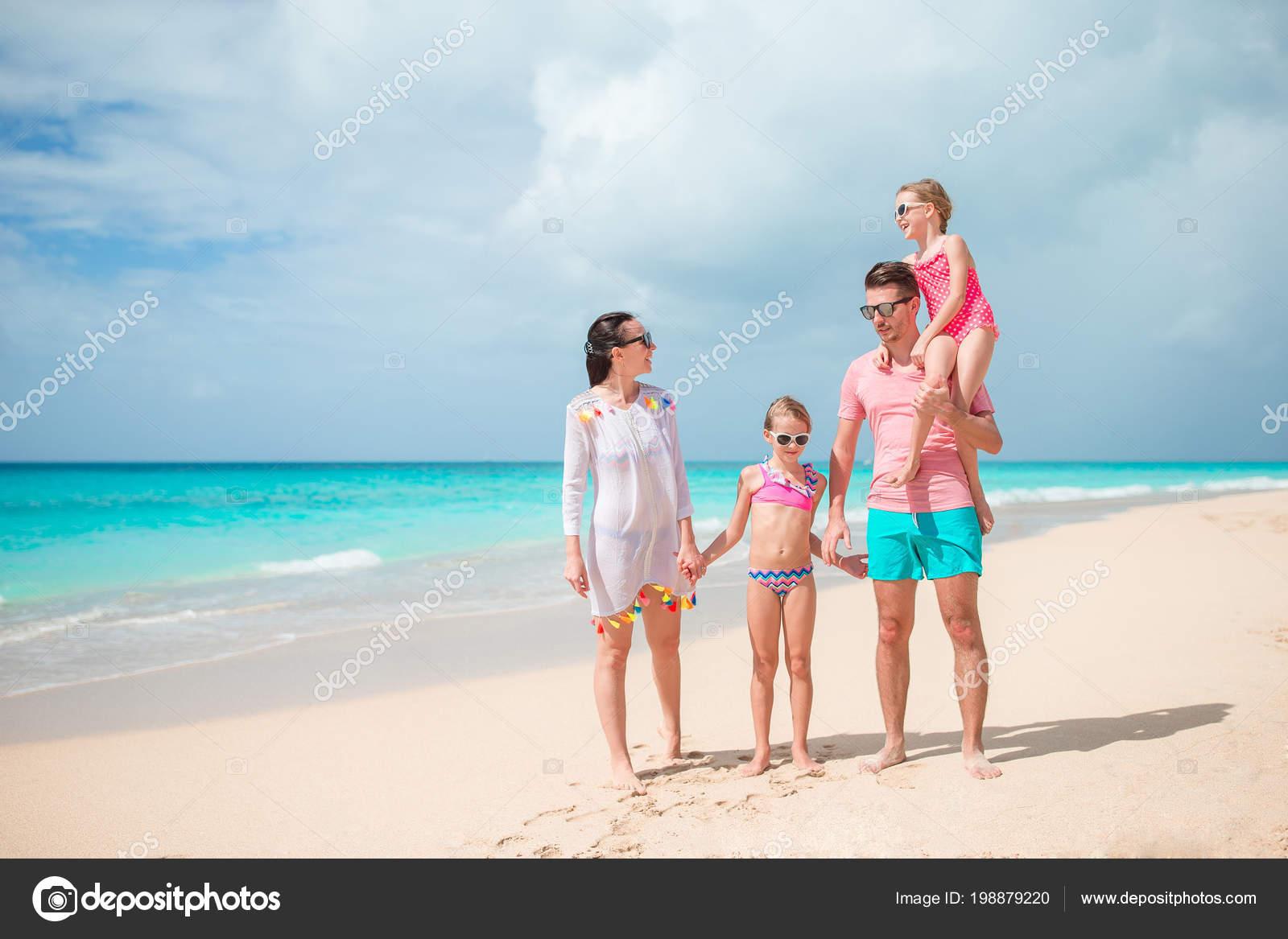 Семья на отдыхе фото — photo 9