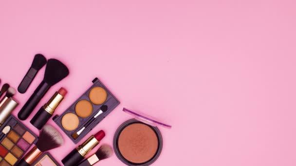 Make-up produkty se objeví na růžové téma. Zastavit pohyb