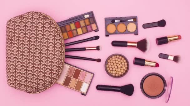 Stop pohybu animace make-up produktů a tvoří kit