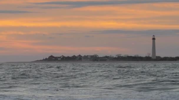 malerischer Blick auf Kap Mai Leuchtturm bei Sonnenuntergang, Kap Mai, USA