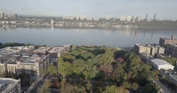 Panoramatický pohled Jersey City a Hudson River, New York