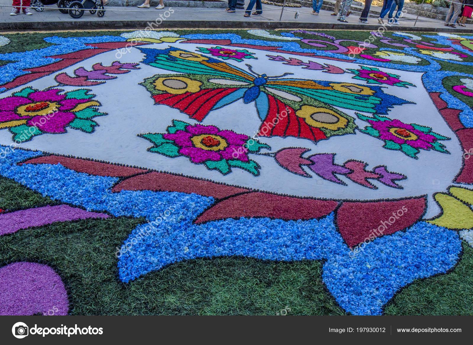 Alfombra Pétalos Flores Para Celebración Corpus Christi Ponteareas