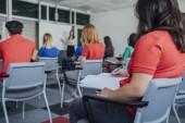 Középiskolai tanári prezentáció a következő csoport