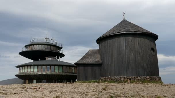 Polské meteo observatoř a kaple svatého Vavřince na Sněžka
