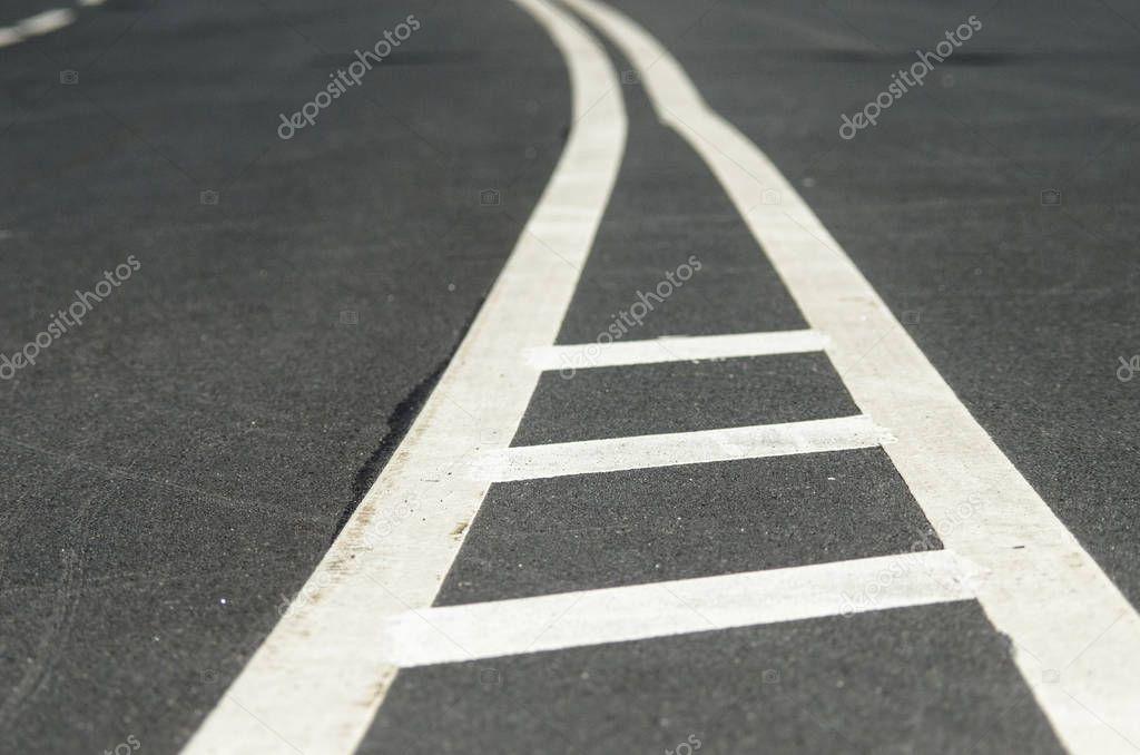 может что означает белая полоса на фотографии изображение символизирует
