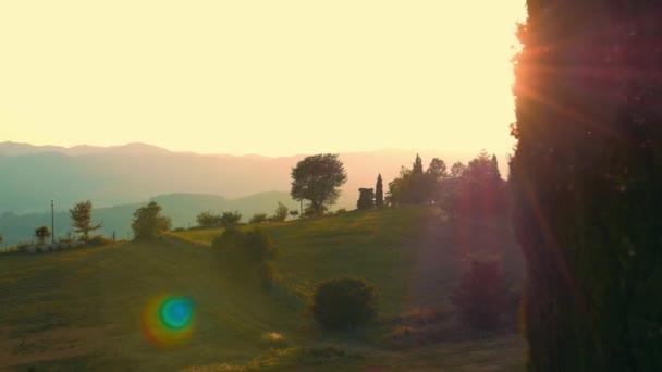Sunrise krajina v Toskánsku