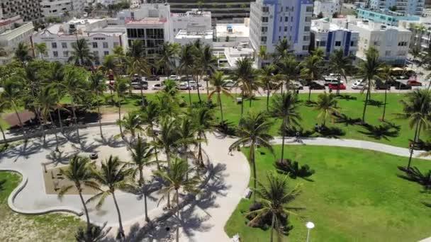 Miami-South Beach-Lummus Park a letecký pohon pohled na jižní pláž, Miami, US-Lummus Park, volejbalový kurt a oceánský pohon