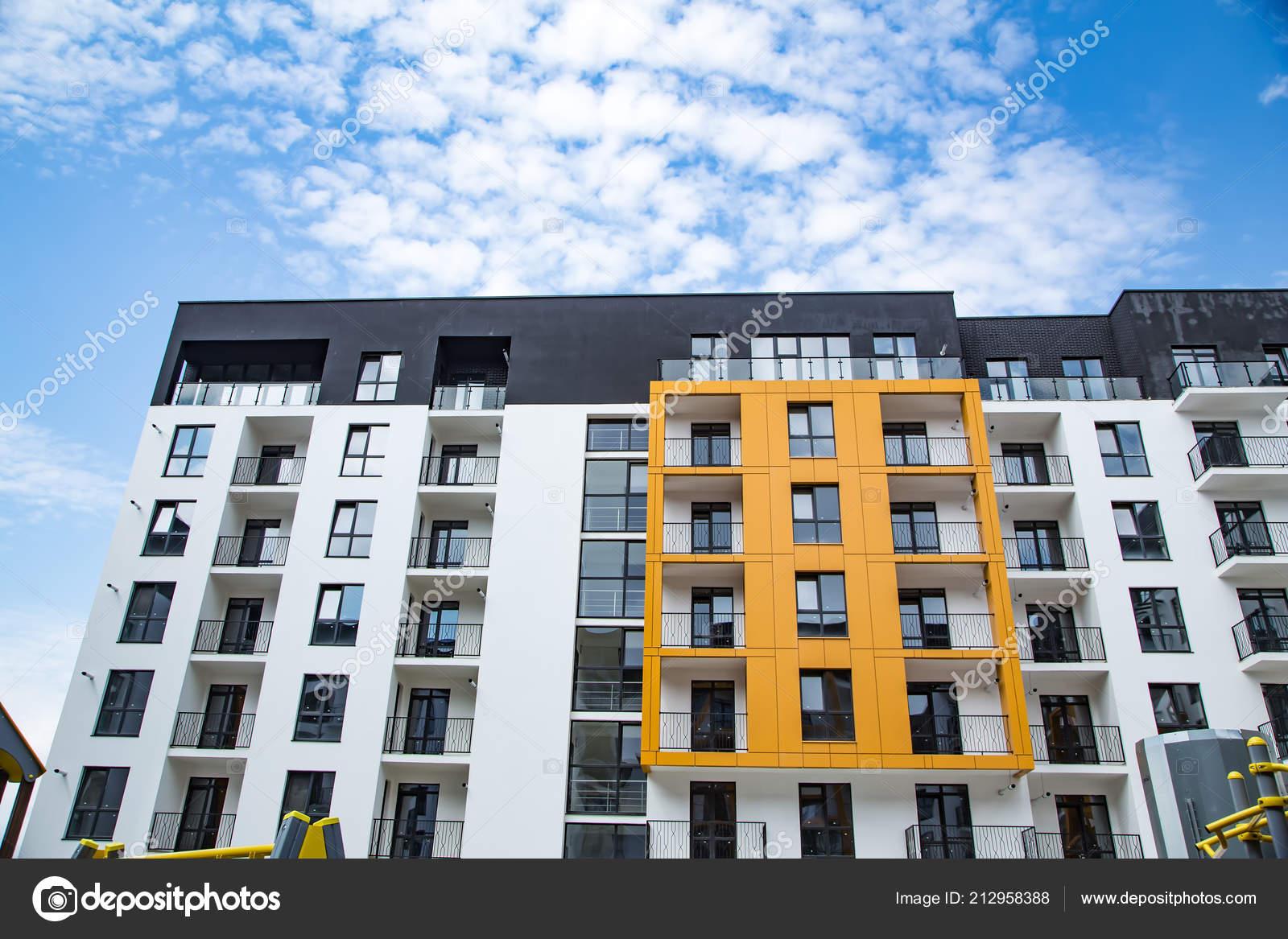 Stilvolle Fassade Neue Heimat Wohnung Textur Hintergrund Stockfoto