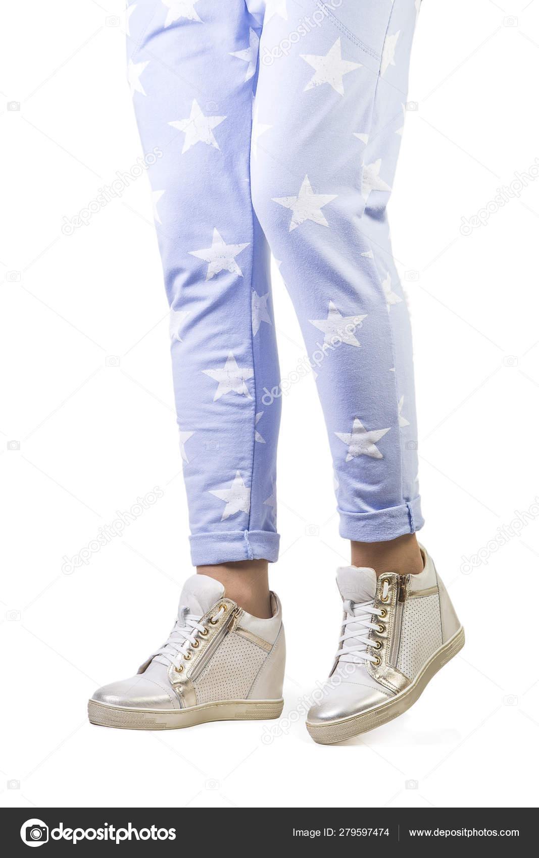 womens sneakers stylish