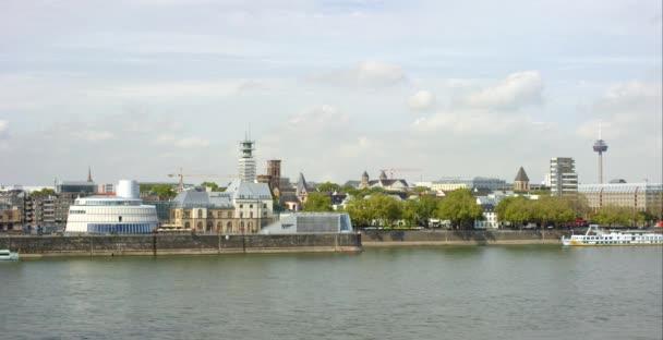 Rheinufer in Köln 4k
