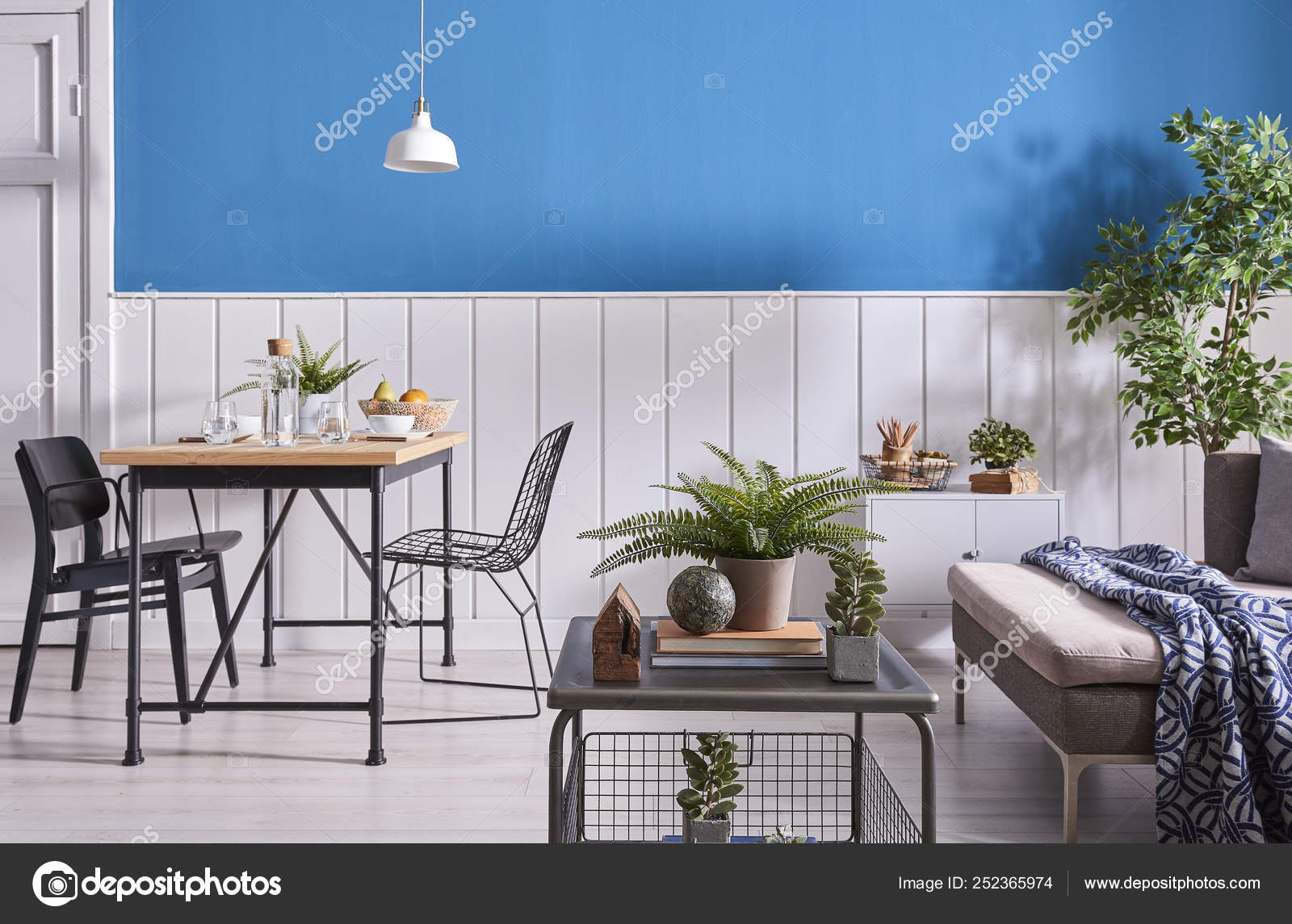 Awe Inspiring Modern Dining Room Decoration Wooden Table Black Chair Blue Caraccident5 Cool Chair Designs And Ideas Caraccident5Info