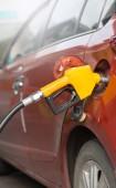 Fotografie Naplnění benzínové potrubí na přívod paliva