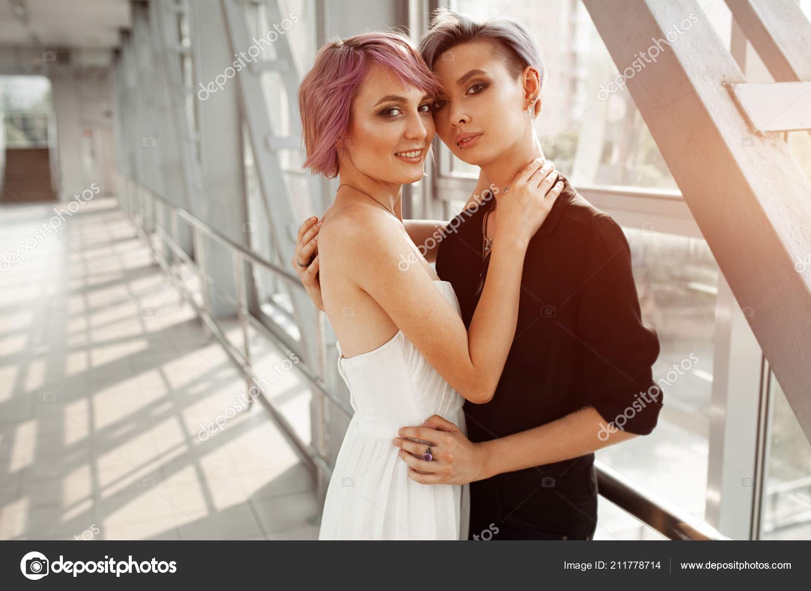 σεξ και η πόλη γκέι γάμο μαύρη γυναίκα δείχνει το μουνί