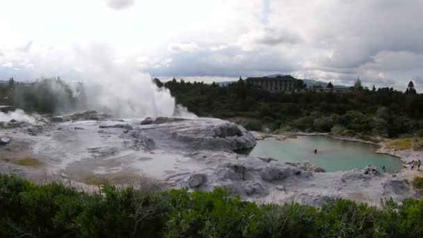 Világhírű geotermikus park Rotoruában, Új-Zéland északi szigetén