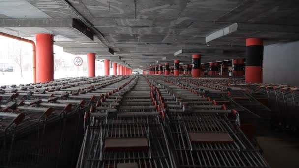 very many carts for products