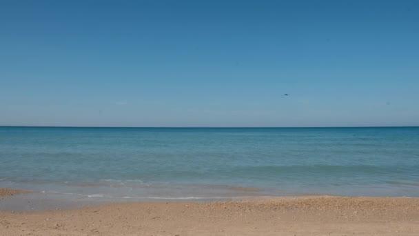 moře a vlny a sky a písku