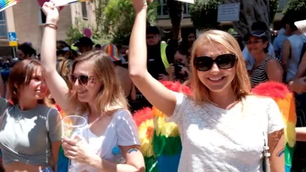 israel - tel aviv, 14 juni 2019: slow motion traditionelle schwul-lesbische Gay Pride Parade tel aviv 2019
