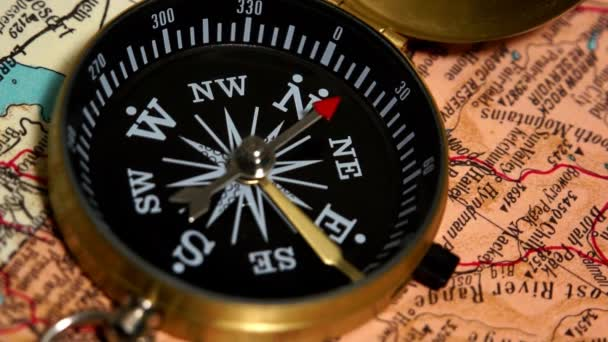 Old compass display locating magnetic north