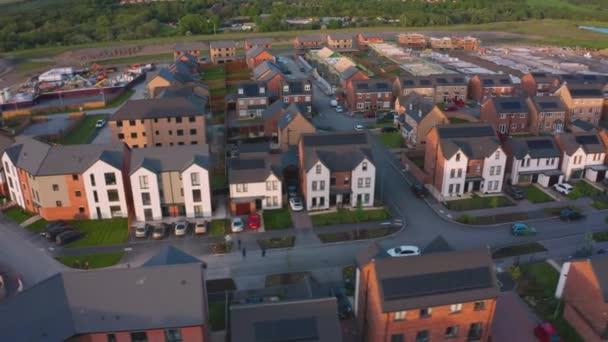 Tavaszi naplemente a Waverley házban-Rotherham Sheffield, Dél-Yorkshire-drone Footage