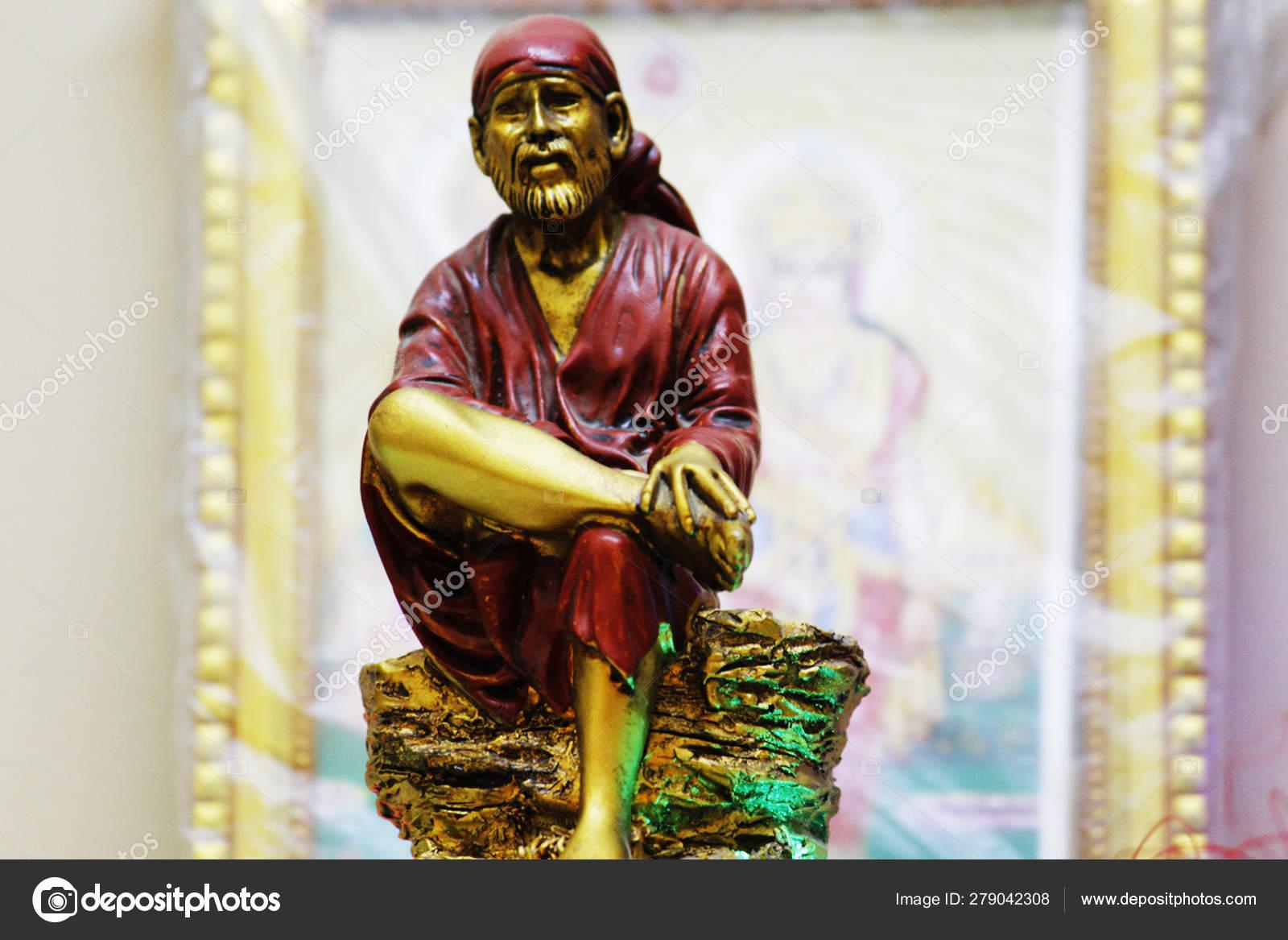 Hindu god Shirdi Sai Baba idol in Hindu temple  — Stock