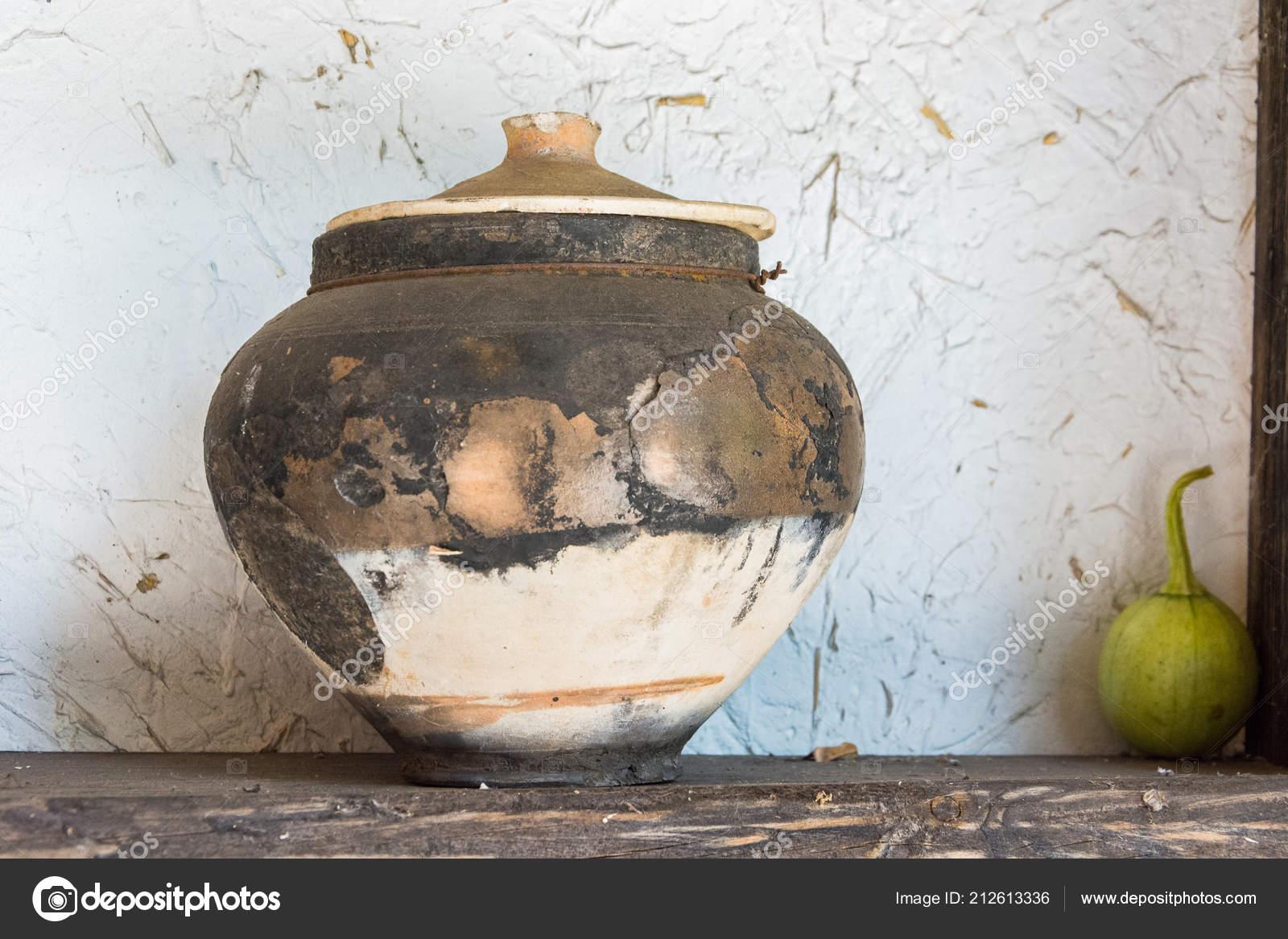 Vieux Pot Argile Pour Cuisiner Dans Poêle Bois Cuisine Rurale