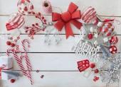 Tradiční ozdoby a dárky pro Veselé Vánoce