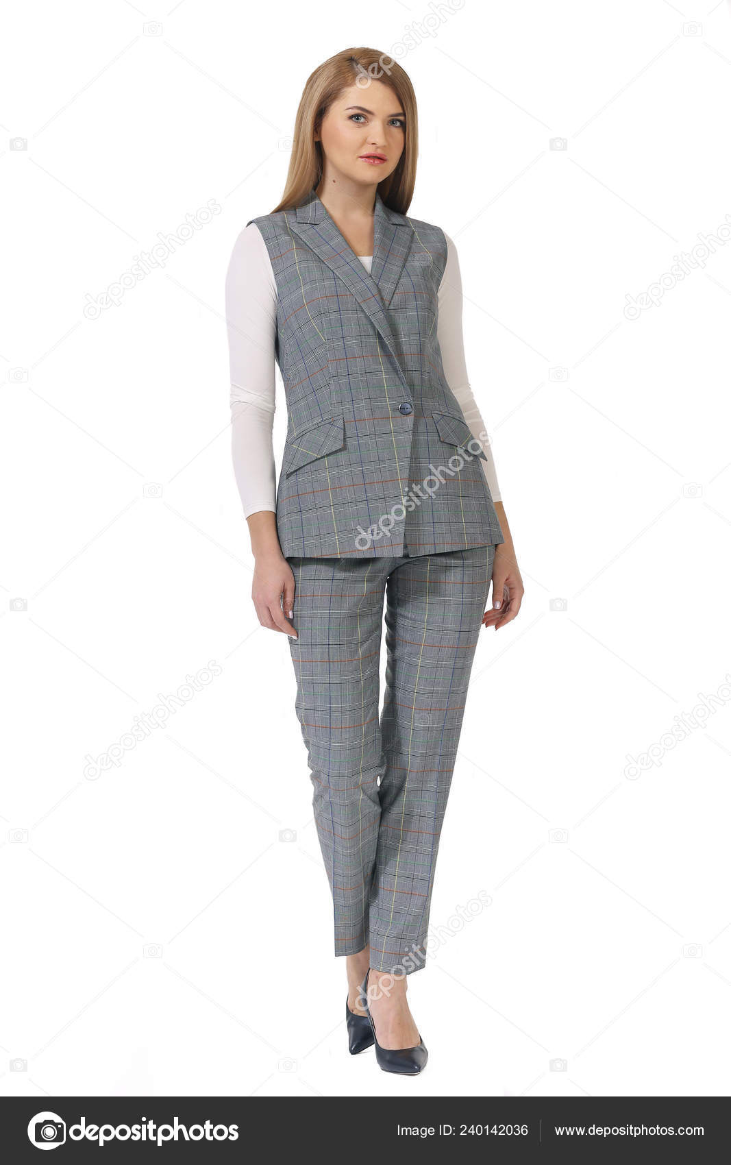 180ab8543 Joven Caucásicos Mujer Ejecutivo Posando Trousrs Gris Chaleco Oficial Traje  — Foto de Stock