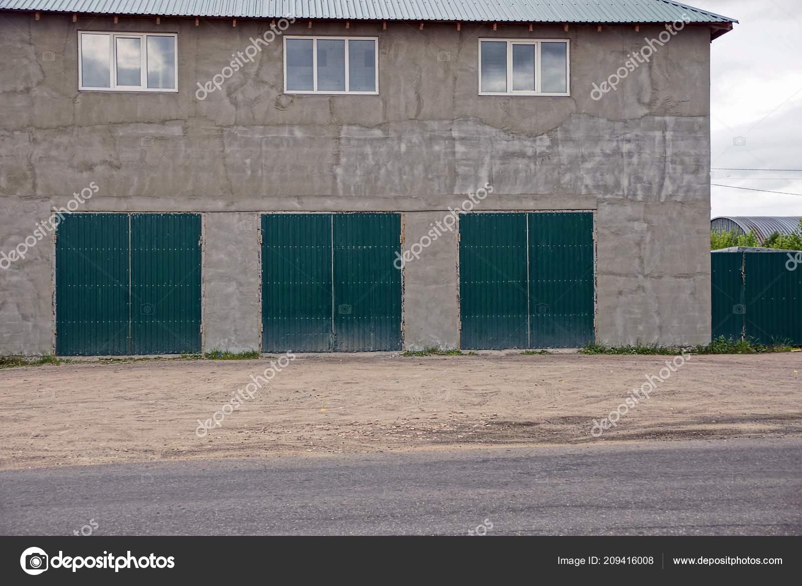 Железные гаражи с окном ворота для гаража купить в томске