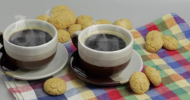 Cookie and two cups of coffee. Kruidnoten, pepernoten, strooigoed