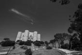 Andria, Puglia, Castel del Monte. Castel del Monte je pevnost třináctého století postavená císařem Svaté říše římské Frederick II na planině západního Murge, v Puglii.