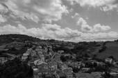Roccascalegna, Chieti, Abruzzo. Pohled ze středověkého hradu Roccascalegna.